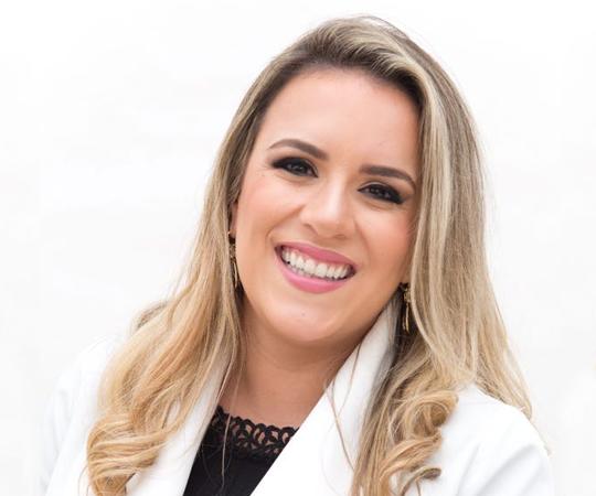Dra. Larissa Botelho